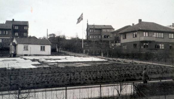 flagging-1945.jpg